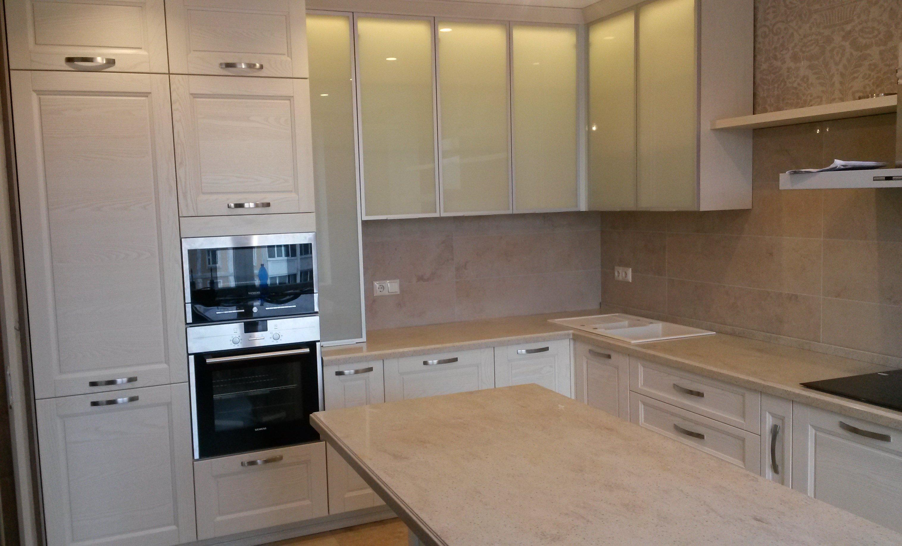 Кухня Скалли Бьянко — белая роскошь модерна