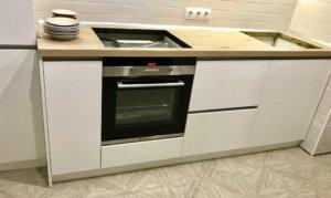 кухня в современном стиле Фасады: Акрил senosan супер матовые белого цвета Столешница: Duropal R 20074 RT LaserKante